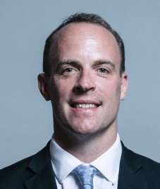 Official_portrait_of_Dominic_Raab_crop_2